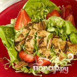 Рецепт Куриный салат из сезонных фруктов