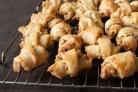 Рогалики творожные с орехами