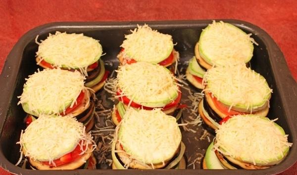 Запеченные кабачки с баклажанами - фото шаг 6