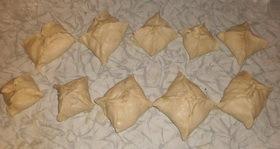 Пирожки из слоеного теста с грибами и картошкой - фото шаг 10