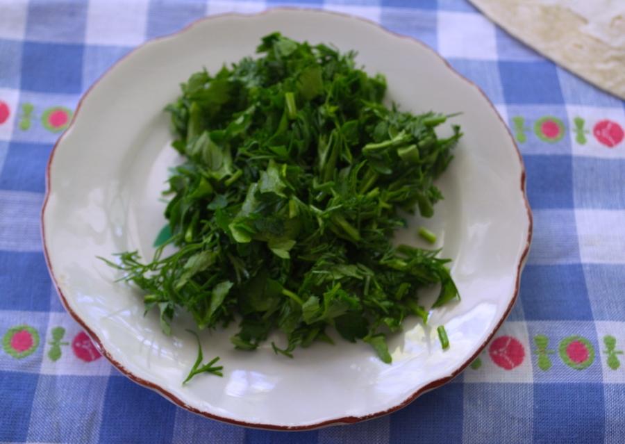 Лаваш с брынзой и зеленью - фото шаг 2