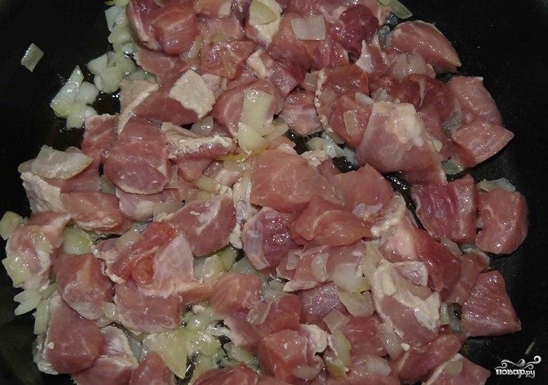 Свинина с фасолью в горшочках - фото шаг 8