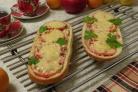Домашняя пицца на батоне