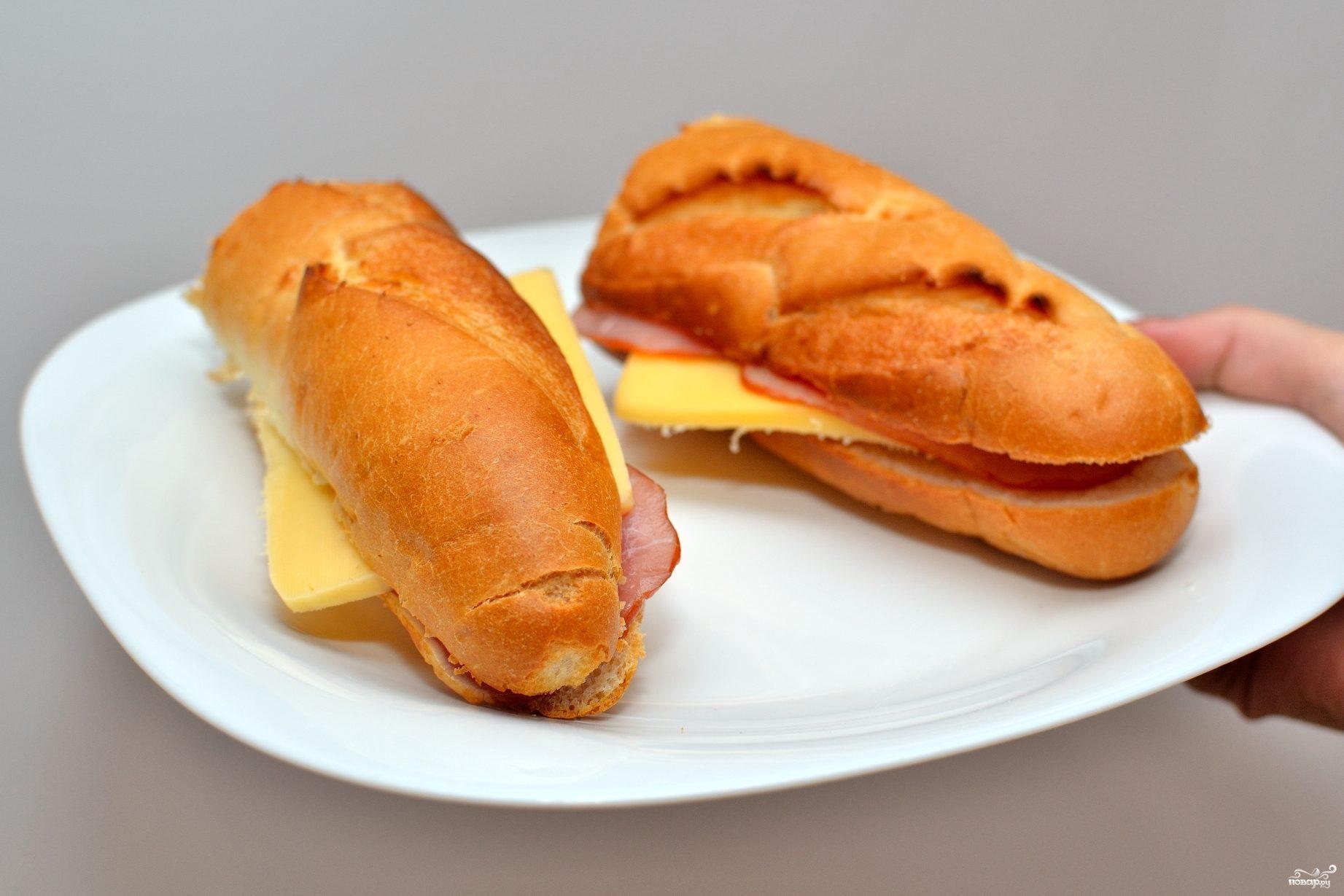 Багет с ветчиной и сыром