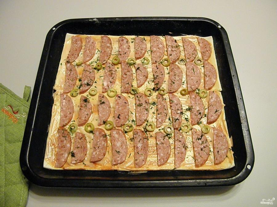 Пицца из слоеного бездрожжевого теста в духовке рецепт