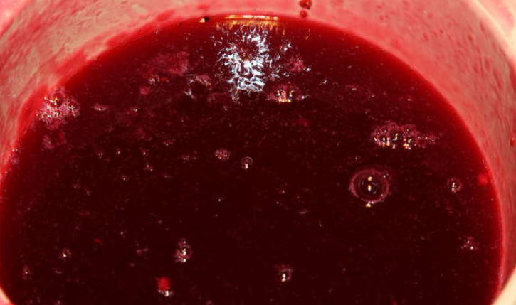 Варенье из красной смородины на зиму - фото шаг 5