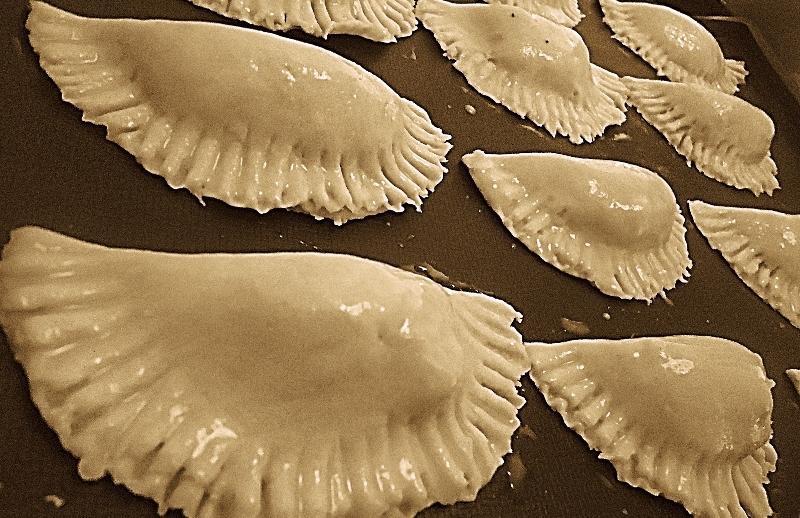 Пирожки из ржаной муки - фото шаг 8