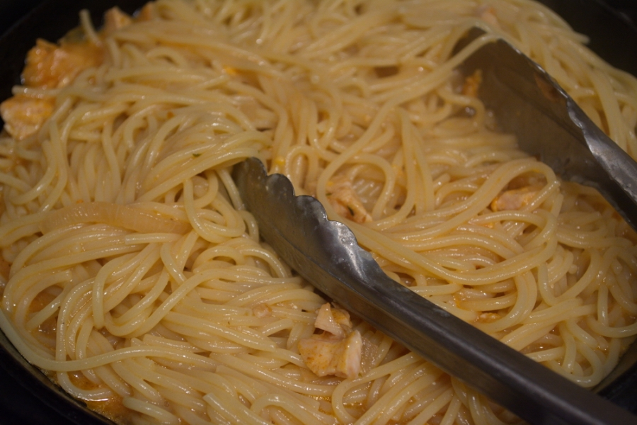 Спагетти под соусом - фото шаг 5