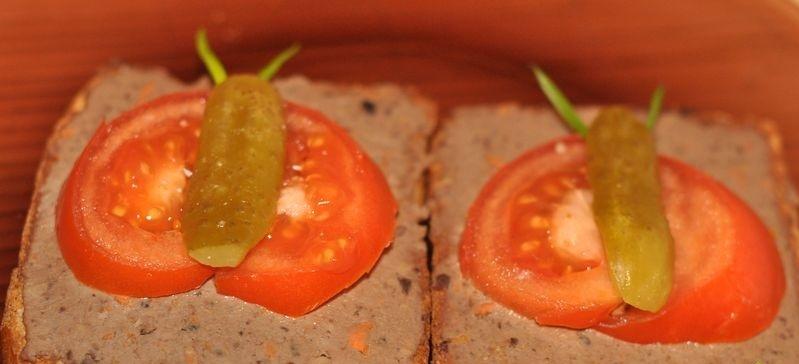 Бутерброды с паштетом - фото шаг 4