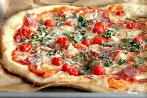 Рецепт Пицца с салями, помидорами и сыром