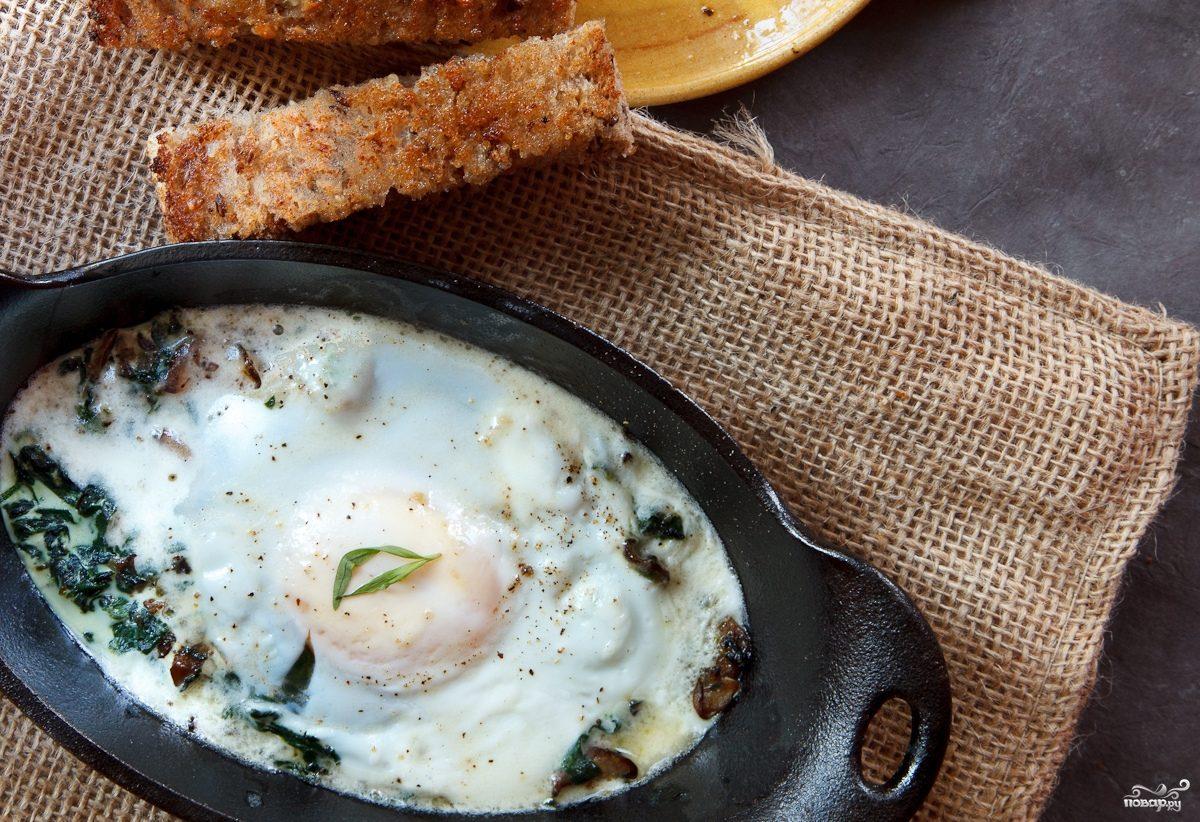 Яичница со шпинатом и грибами в духовке