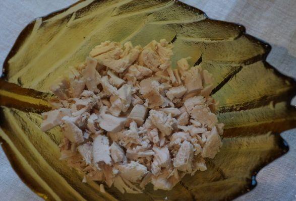 Рецепт Салат с сухариками, курицей и помидорами