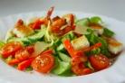 Салат пикантный с креветками