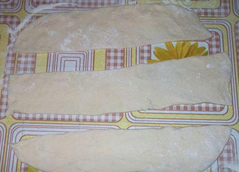 Тесто для пирожков с сосиской - фото шаг 4