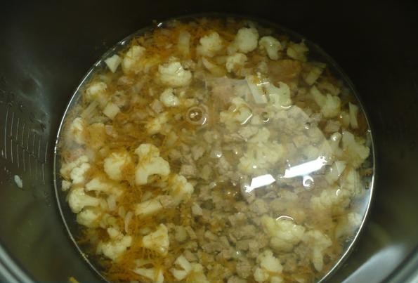 Суп с цветной капустой в мультиварке - фото шаг 3