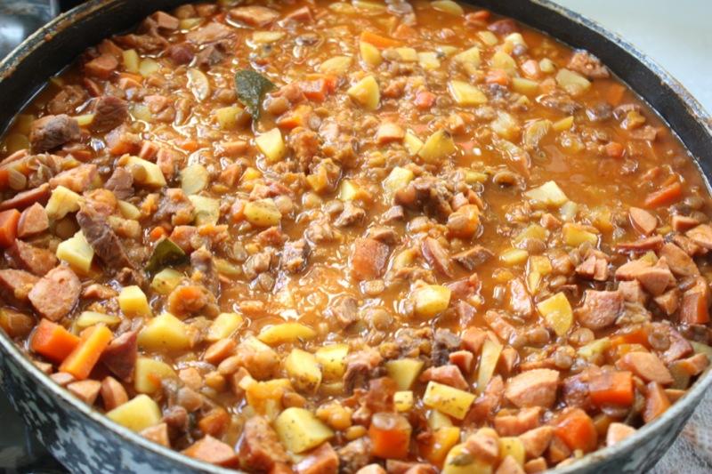 Суп из чечевицы с копченостями - фото шаг 7