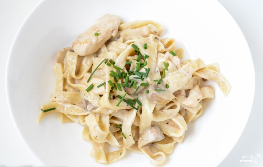 Паста с курицей и грибами в сливочном соусе рецепт с пошаговыми