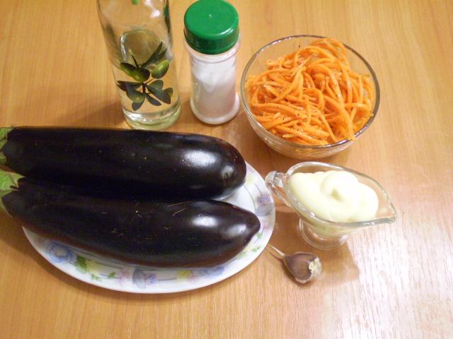 Рецепт Рулетики из баклажанов с морковкой и чесноком
