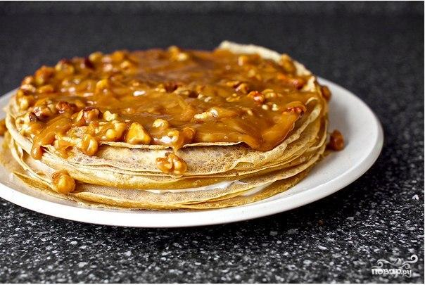 Блинный торт с бананом и ореховой глазурью - фото шаг 7