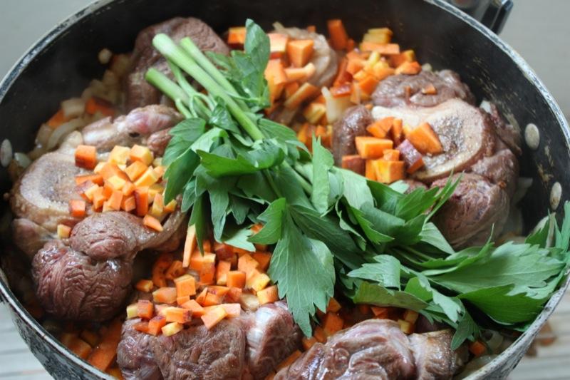 Суп из чечевицы с копченостями - фото шаг 2