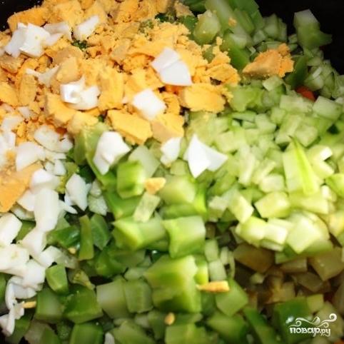 Сытный новогодний салат - фото шаг 17