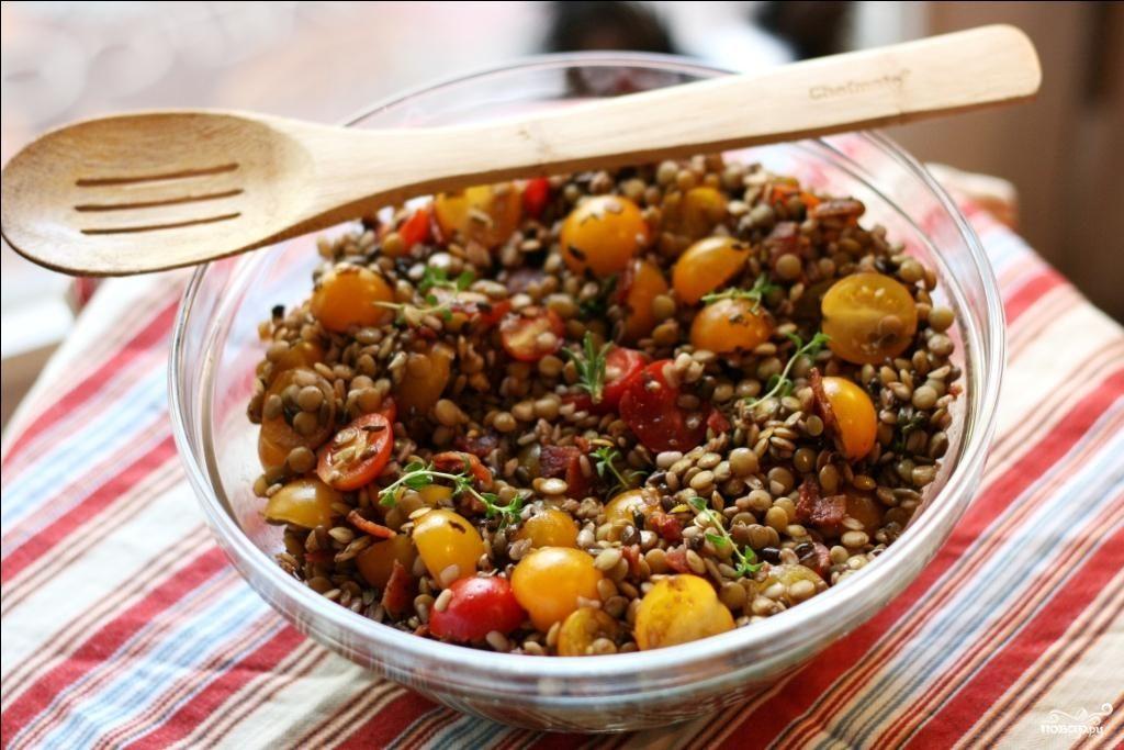 Рецепт Салат из чечевицы с помидорами