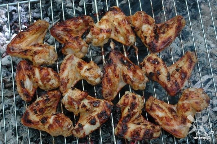 Куриные крылья на мангале - фото шаг 3