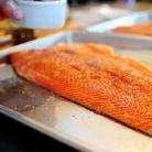 Рецепт Жареный лосось с картофелем, спаржей и каперсами