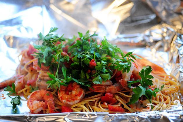 Креветки со спагетти - фото шаг 10