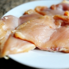 Рецепт Куриный салат с сыром фета и кукурузой