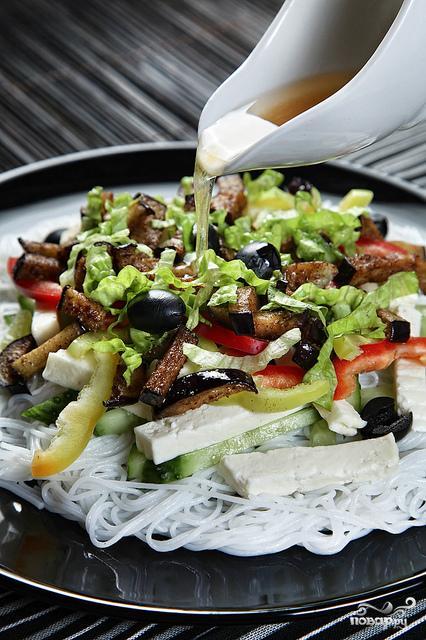 Салат с рисовой лапшой - фото шаг 5
