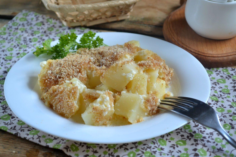 Картофель под белым соусом
