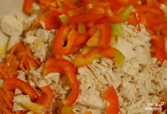 Салат с грудкой и корейской морковкой - фото шаг 2