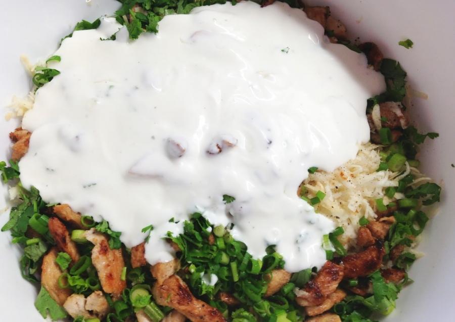 Диетический салат с курицей - фото шаг 6