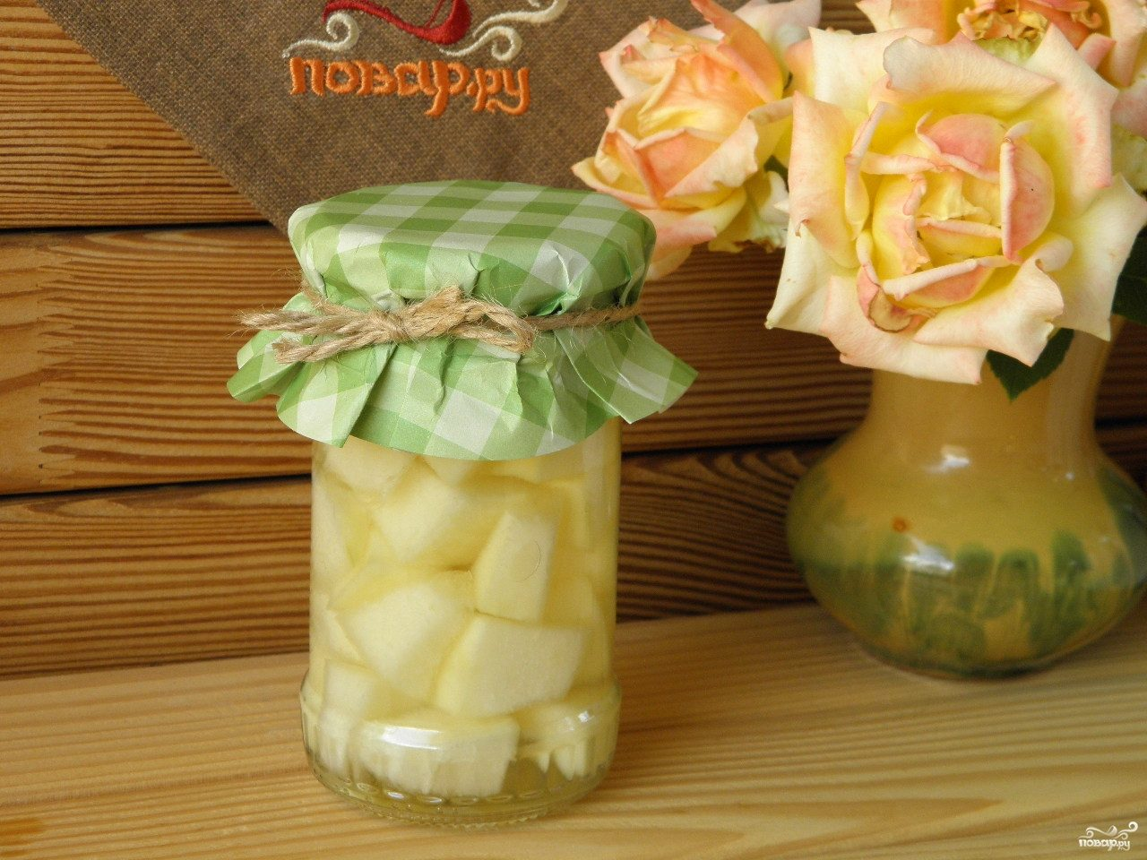 Рецепт слоеного салата с грибами и курицей и сыром