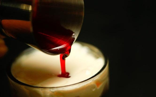 """Экстравагантный коктейль """"Скользкие соски"""" - фото шаг 4"""