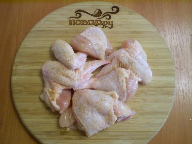 Курица, запеченная с картофелем и овощами - фото шаг 2