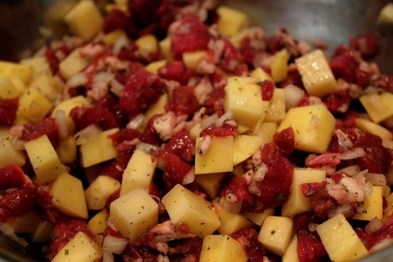 Пирог с бараниной и картошкой - фото шаг 4