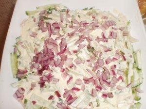 Салат с куриной грудкой, огурцами и болгарским перцем - фото шаг 3