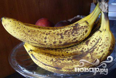 Коктейль с арахисовым маслом, шоколадом и бананом - фото шаг 1