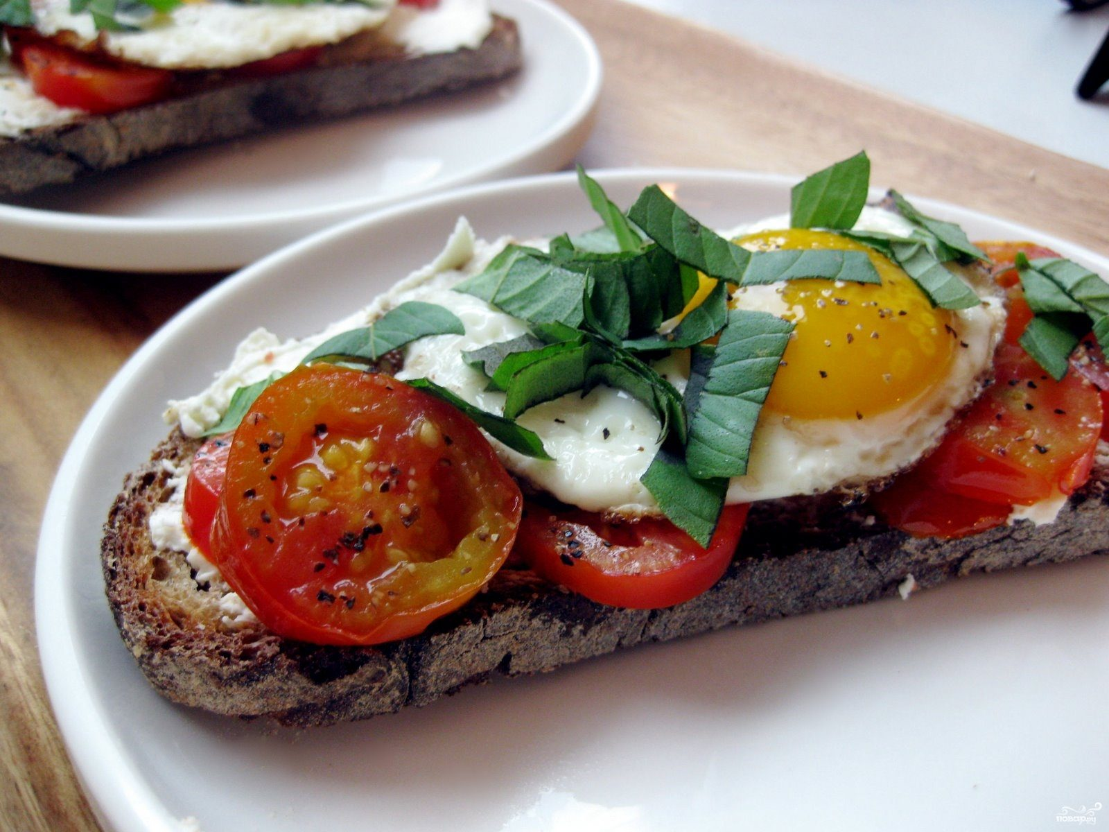 Рецепт Яичница с помидорами и сыром