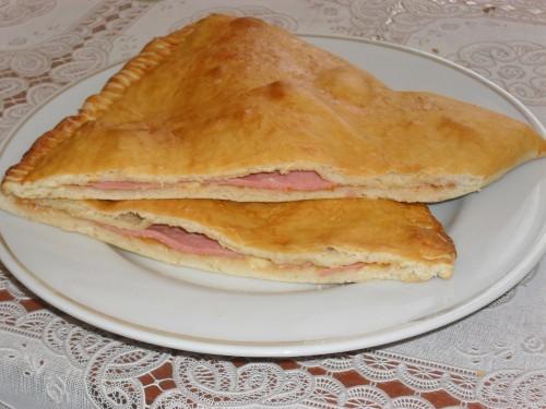 Чебуреки с колбасой - фото шаг 8