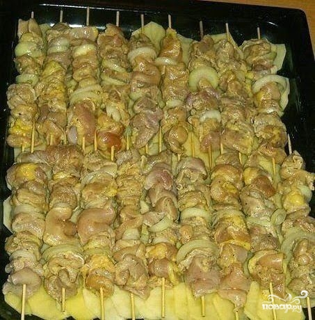 Рецепт Куриный шашлык с картошкой в духовке