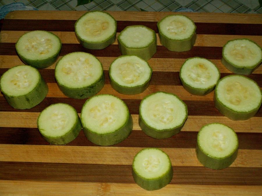 Рецепт Кабачки с фаршем и помидорами