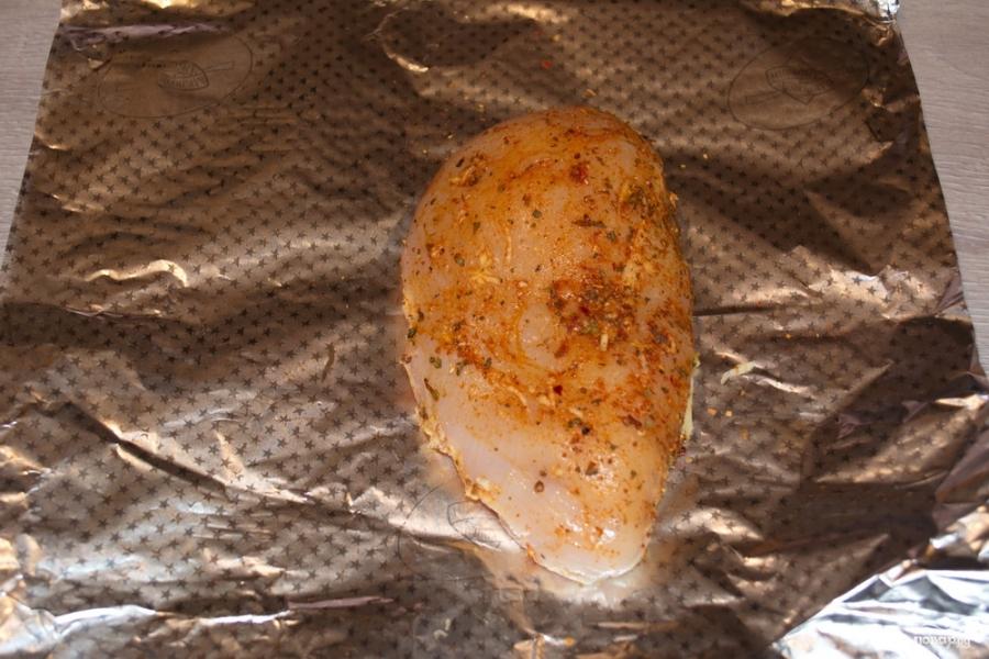 Куриная грудка под соусом - фото шаг 3