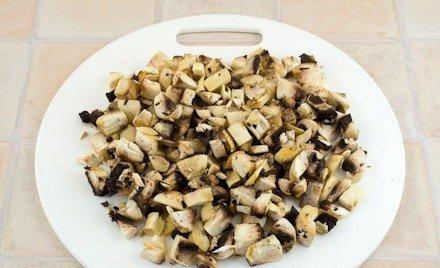 Курица, фаршированная грибами и рисом - фото шаг 4
