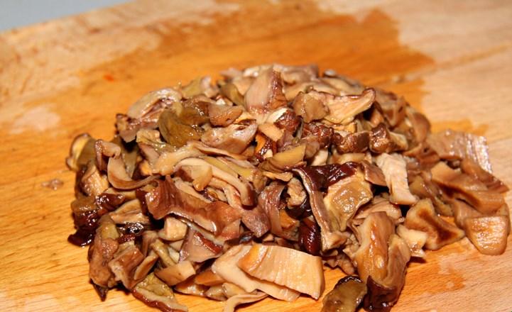Штрудель с курицей и грибами - фото шаг 1