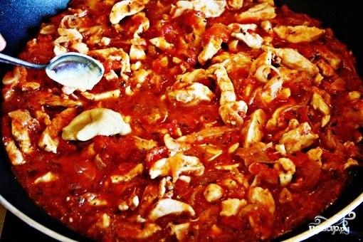 Куриное рагу с помидорами и луком - фото шаг 8