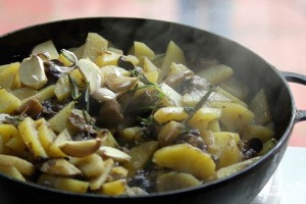 Картофель с лесными грибами рецепт с фото