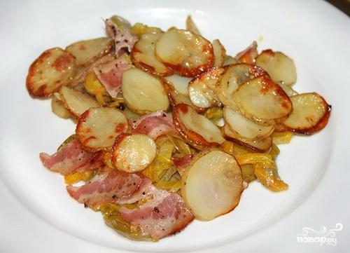 Кабачки с картошкой в духовке